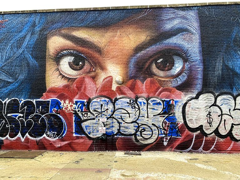 #eyes #graffiti #street #roberttopa #art #colors #topaphotography #streetart #nyc #newyorkcity #bushwickart #bushwickcollection