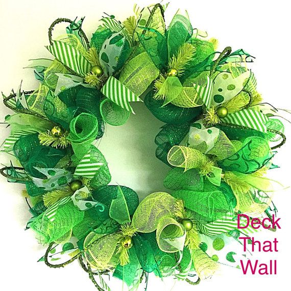 ** St. Patrick's Day Deco Mesh Wreath          @DeckThatWall