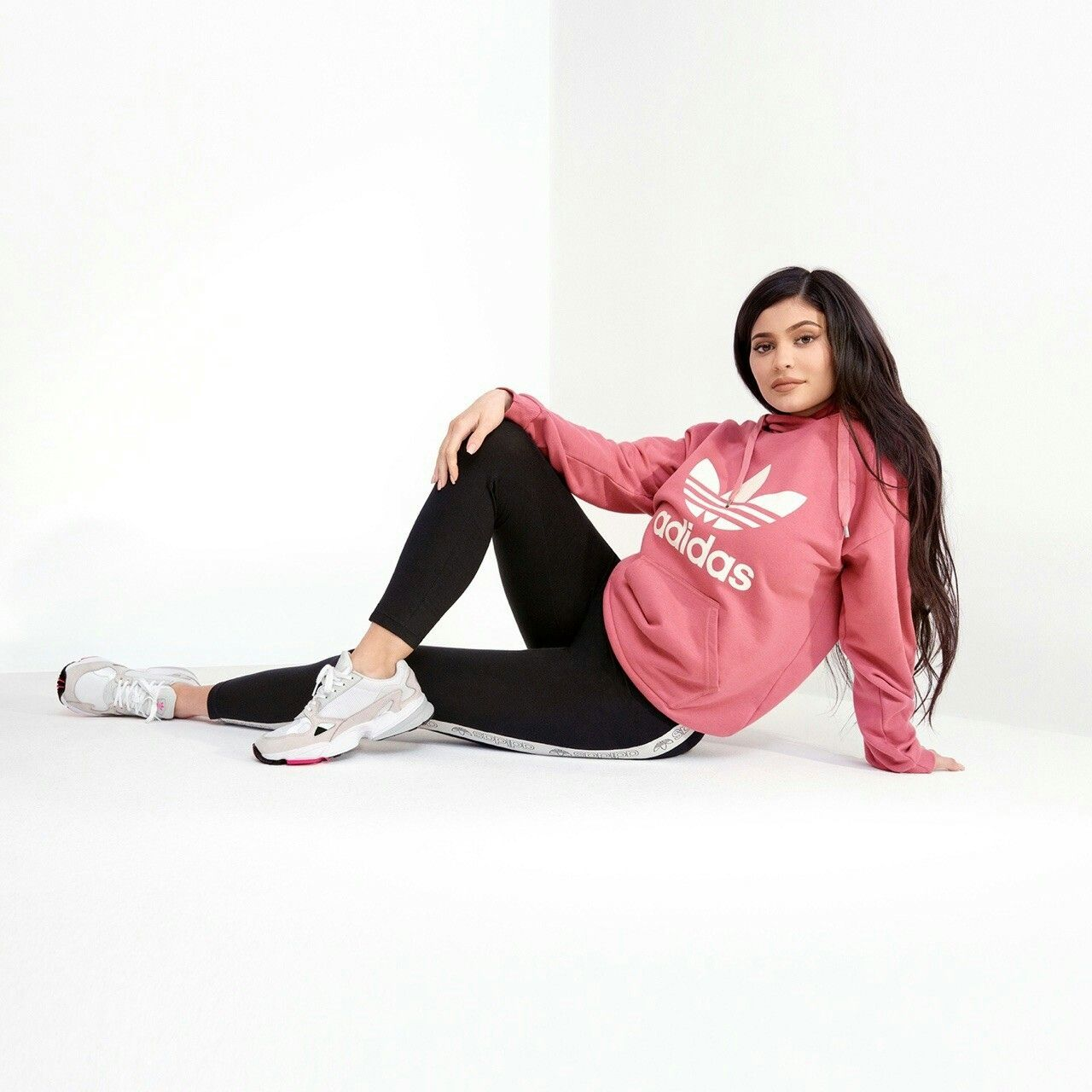 Pin by nathalie on Kylie Jenner | Kylie jenner adidas, Kylie