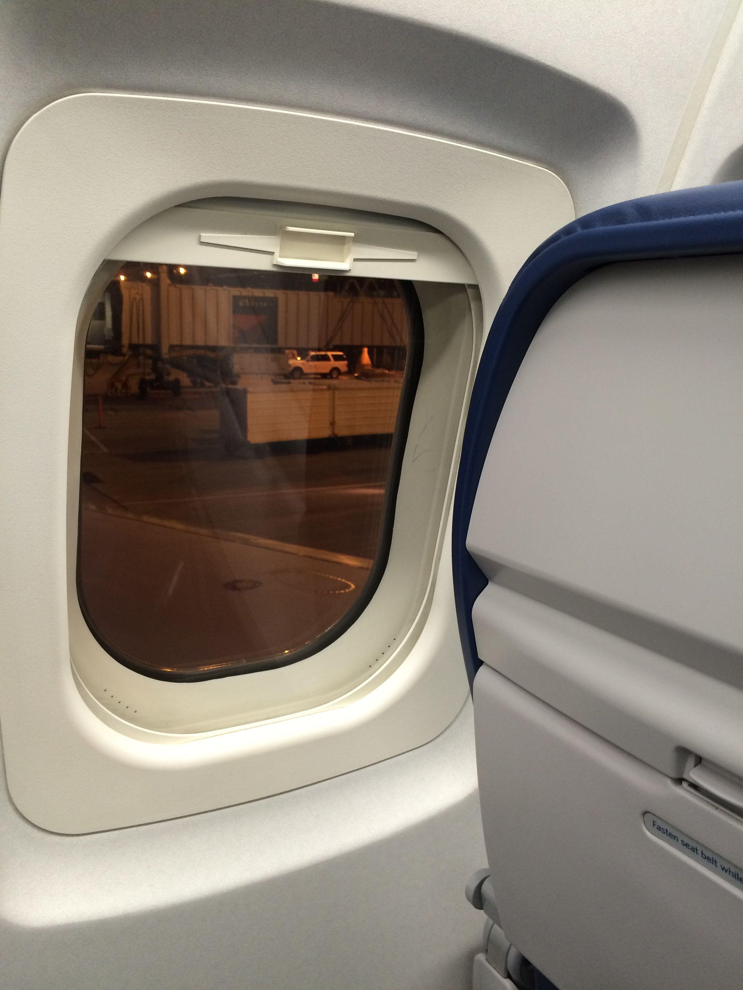 Pleasing The Delta Plane Window Seat For My 10 30 14 Flight To Machost Co Dining Chair Design Ideas Machostcouk