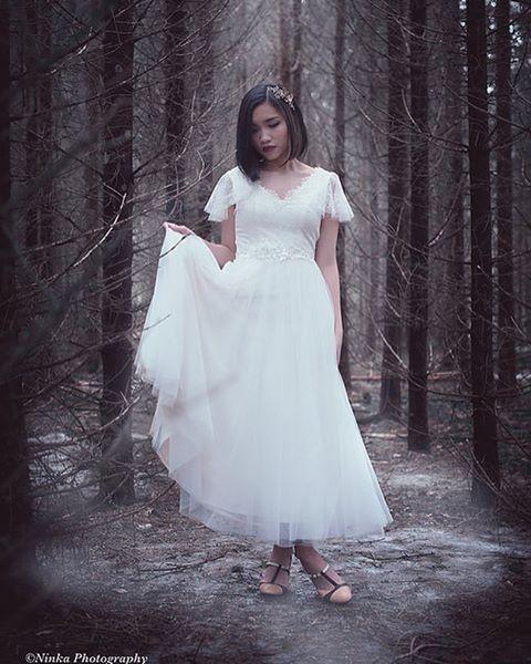 WEBSTA @ heidituiskuweddingdresses - Felicia ❤ #heidituiskufcollection #madebyheidituisku #häät2017 #häät2018 #weddingdress #hääpuku Photo: @ninkadesign Model: Vy DaoMuah @juhlakampaukset