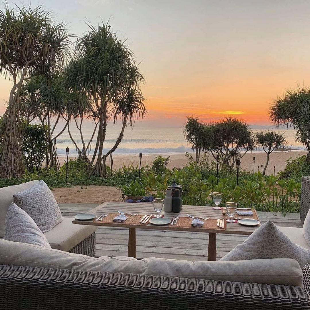 "Feeltheresonance🐚 on Instagram: ""Beach 🏝 Pic by Roman Melzer @roman.traveldesign ~ #beach #sunset #nature #thailand #relax #travel #mergui #asia"""