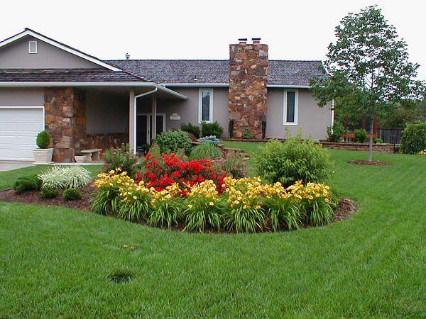 Design An Island Bed The Garden Glove Luxury Landscaping Home Landscaping Backyard Landscaping Designs