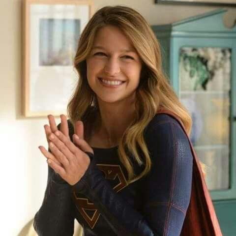 A Happy Supergirl In 2020 Melissa Supergirl Supergirl Superman Supergirl