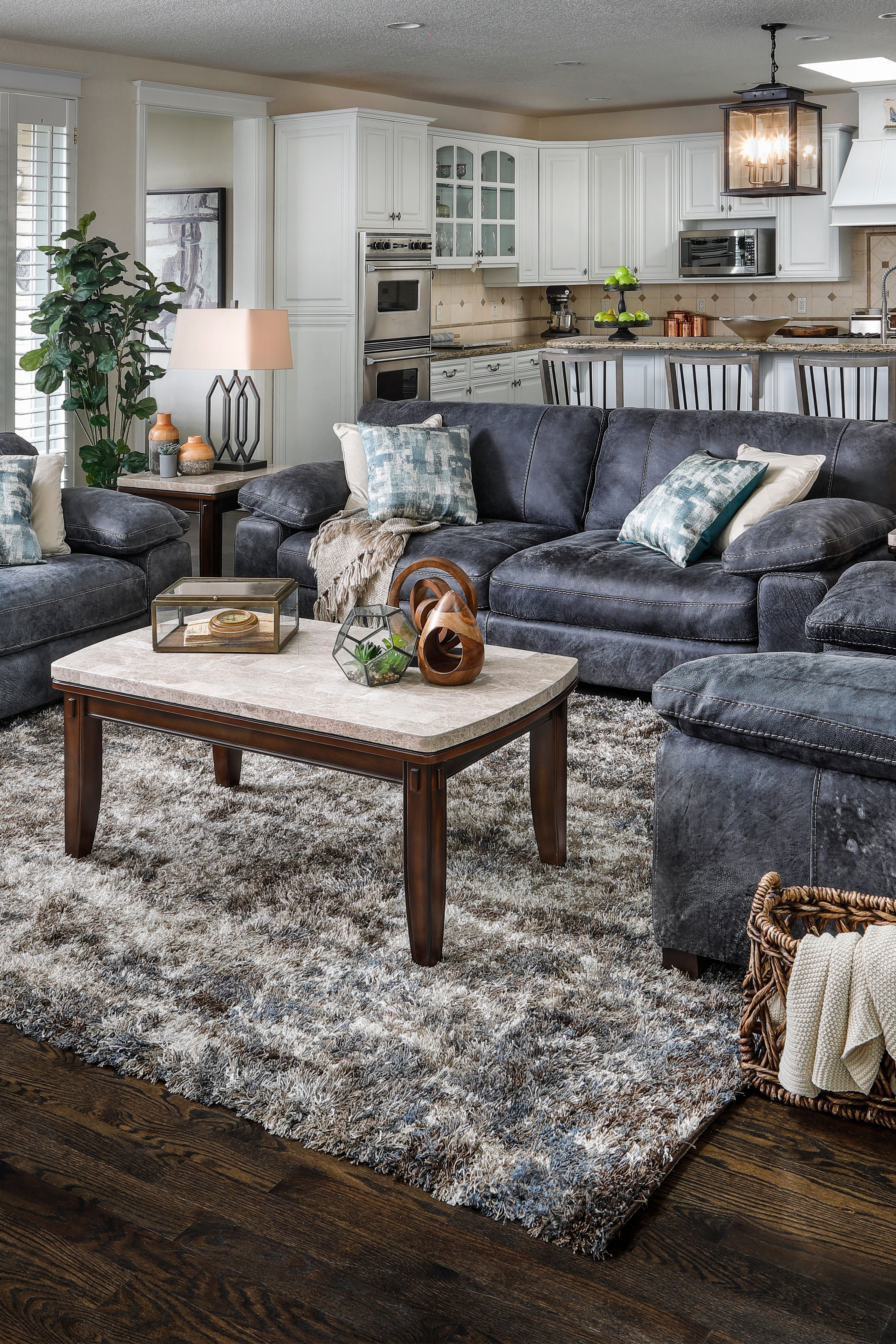 Grand Outback Leather Sofa Furniture Row In 2020 Leather Sofa Furniture Rowe Furniture Deep Seating