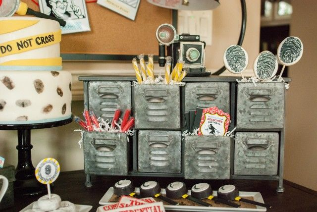 detective party candy display