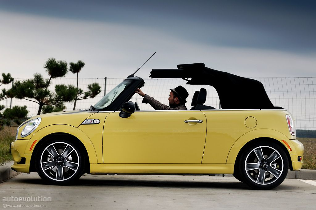 Mini Cooper S With The Soft Top Folding Down Soft Tops Mini Cooper Soft