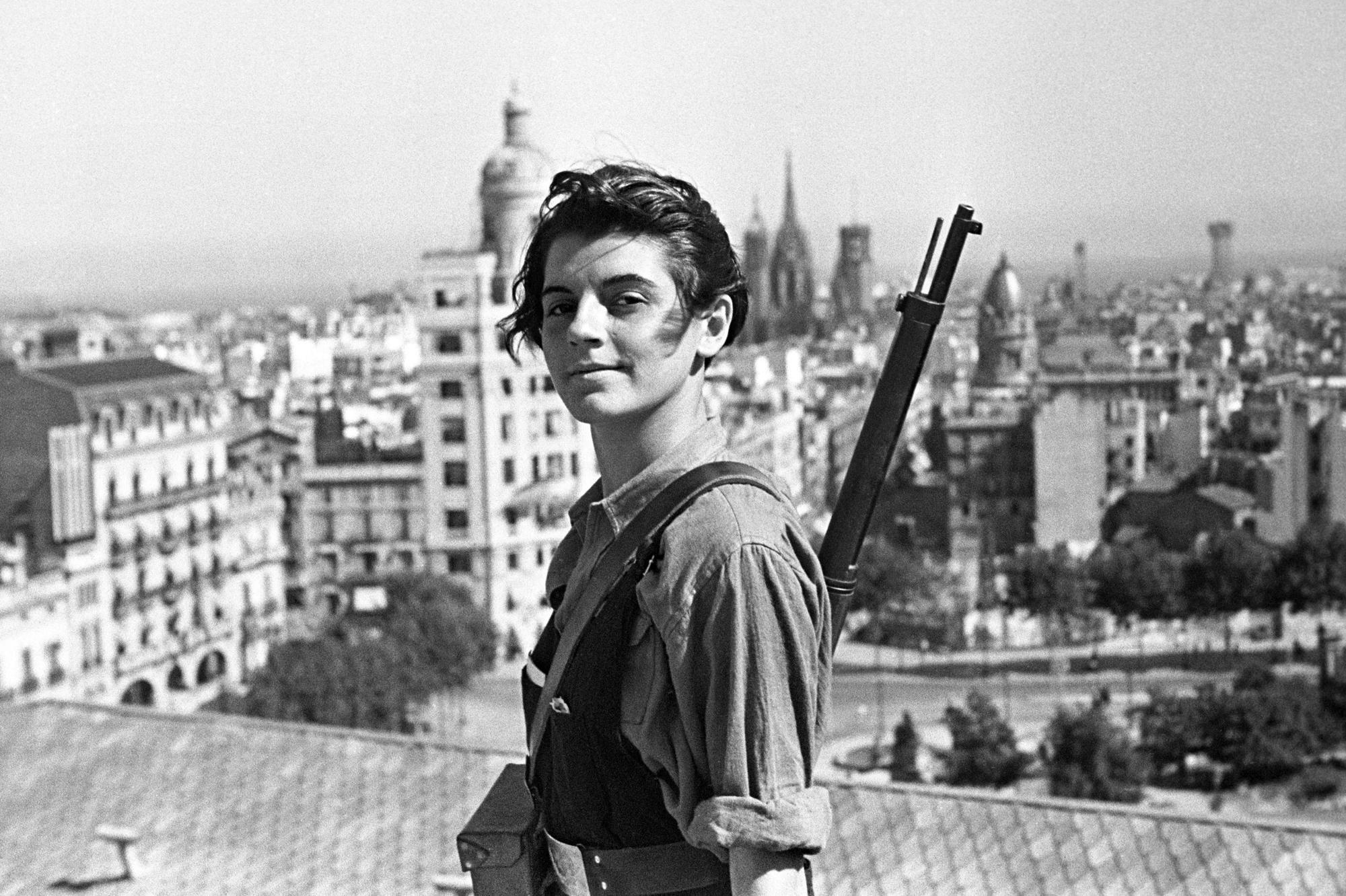 Marina Ginesta Seventeen Year Old Revolutionary During The Spanish Civil War 1936 2000 X 1332 Civil War Marvel Civil War Battles Civil War