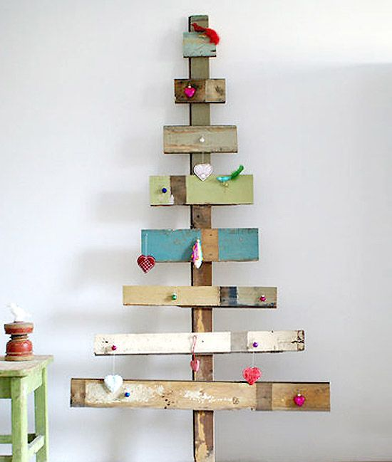 This rustic but whimsical wooden tree, by Dutch artist Ingrid Jansen, is available at Wood & Wool Stool. It is a great inspiration for a DIY activity for the whole family during these holidays.
