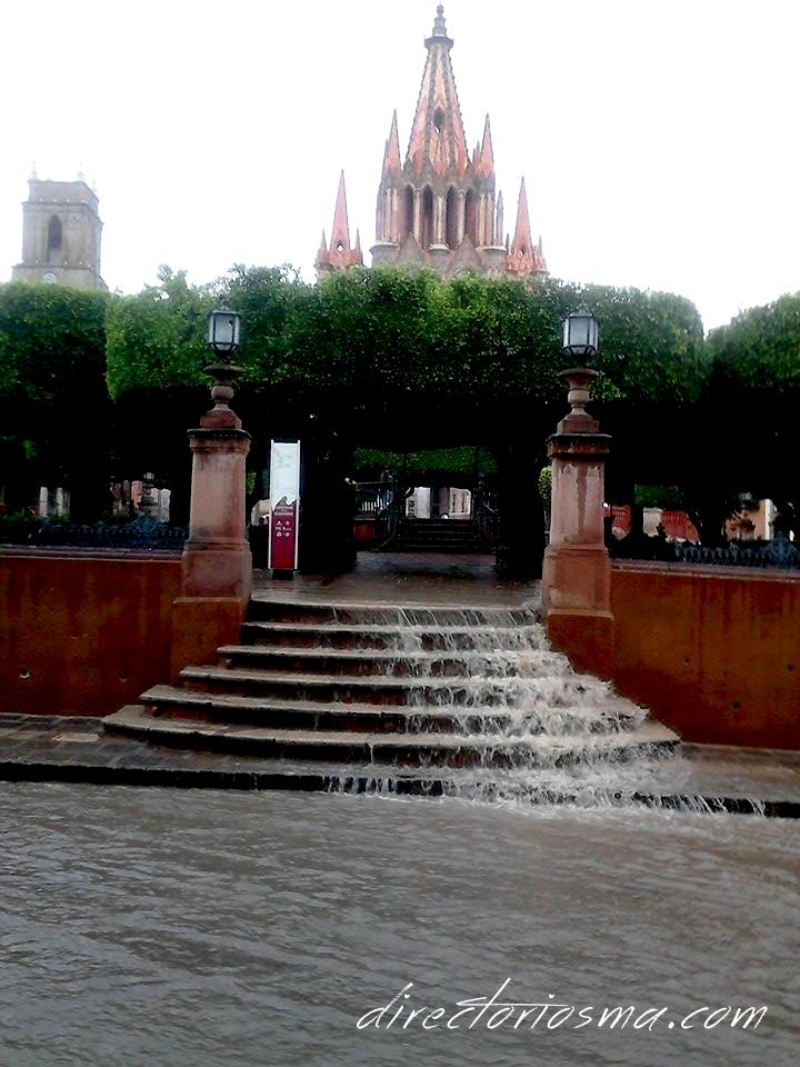 Lluvia en #SanMigueldeAllende http://directoriosma.com/ | San ...