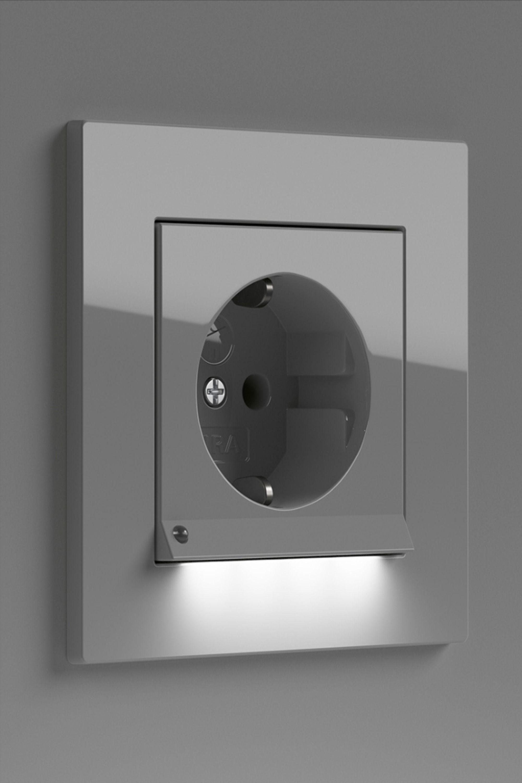 Smarte Gira Beleuchtung Fur Deinen Boden In 2020 Steckdosen Und Lichtschalter Beleuchtungsideen Beleuchtung