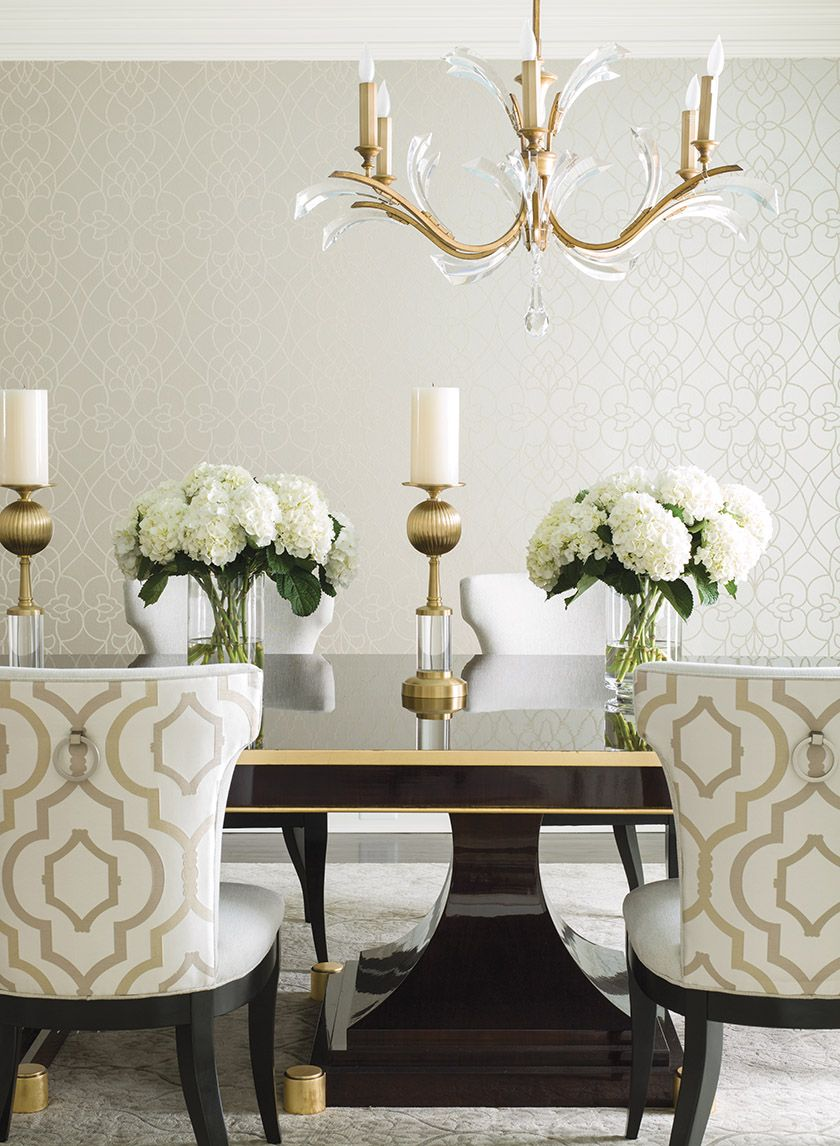 A Table From Signature Grace By Paula Grace Designs Makes A Regal Statement In A D Dinning Room Table Decor Elegant Dinning Room Dining Table Decor Centerpiece