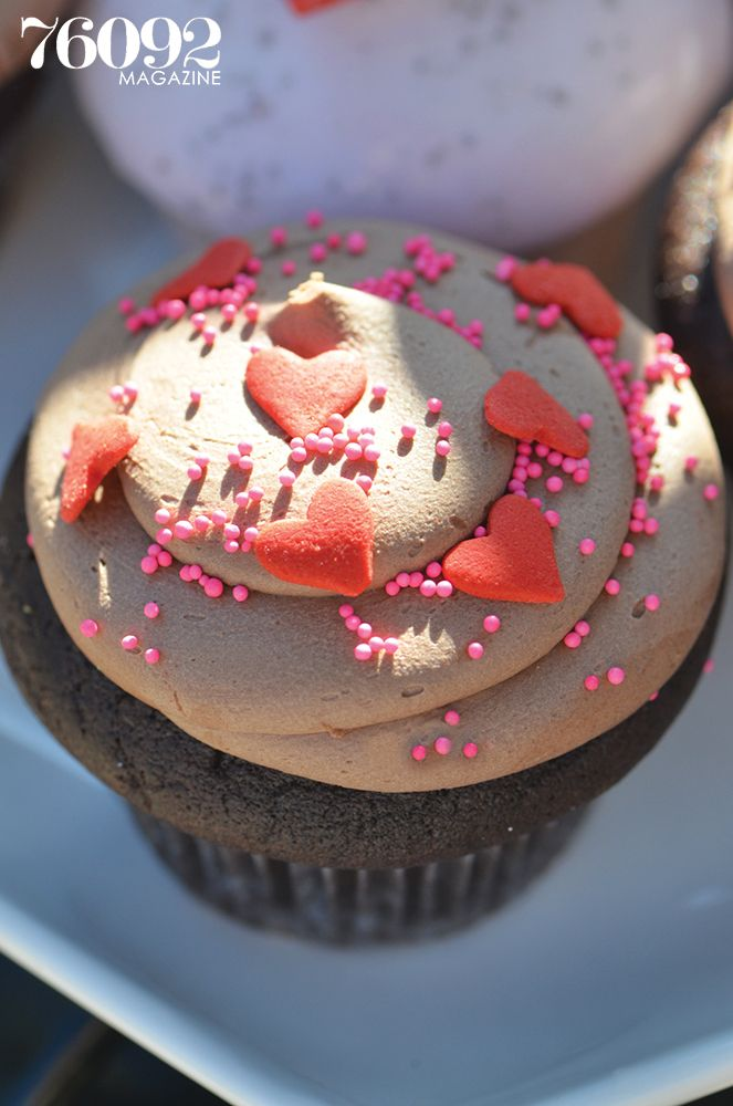 Gorgeous cupcake from Elegant Cakery, 76092 Magazine, Spring 2014 #sweets #texassweets #cupcakes #southlake