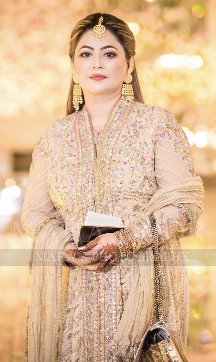 Brides Mother At The Mehndi Mother Of Bride Outfits Indian