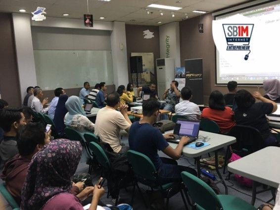 Sekolah Bisnis Online di Jakarta Pusat Ada Kelas Offline ...