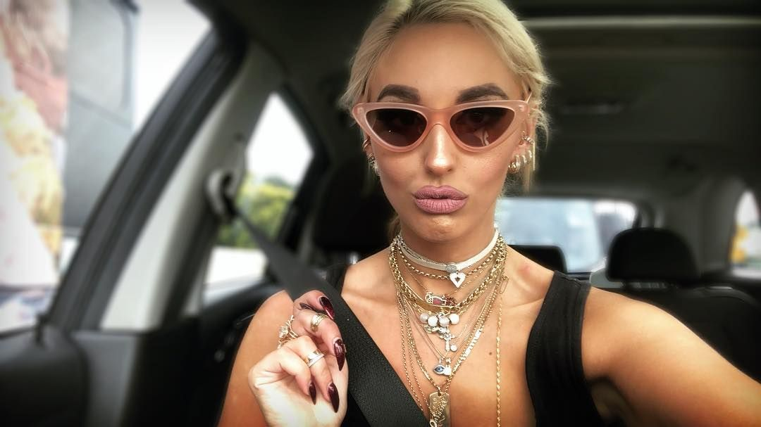 Who Is Mafs 2019 Cast Elizabeth Sobinoff Explore Details Of Married At First Sight Elizabeth Sobinoff Age H Married At First Sight Married At First Elizabeth