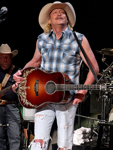 Man Of The Mullet Alan Jackson Goes Retro Onstage In Nashville