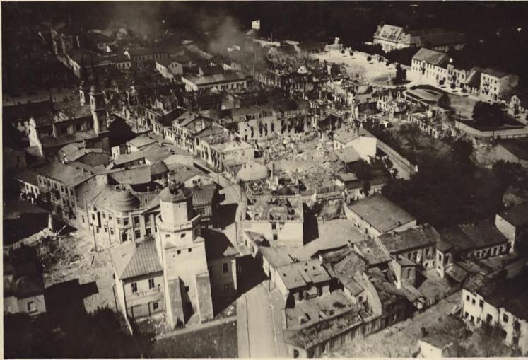 Bilder vom Beginn des II. Weltkriegs: Der erste Akt des II. Weltkriegs war ein Angriff auf die Zivilisten in Wielun. Mehr dazu hier: http://www.nachrichten.at/nachrichten/politik/aussenpolitik/Der-schlimmste-Krieg-des-20-Jahrhunderts;art391,1481141 (Bild: Archiv)