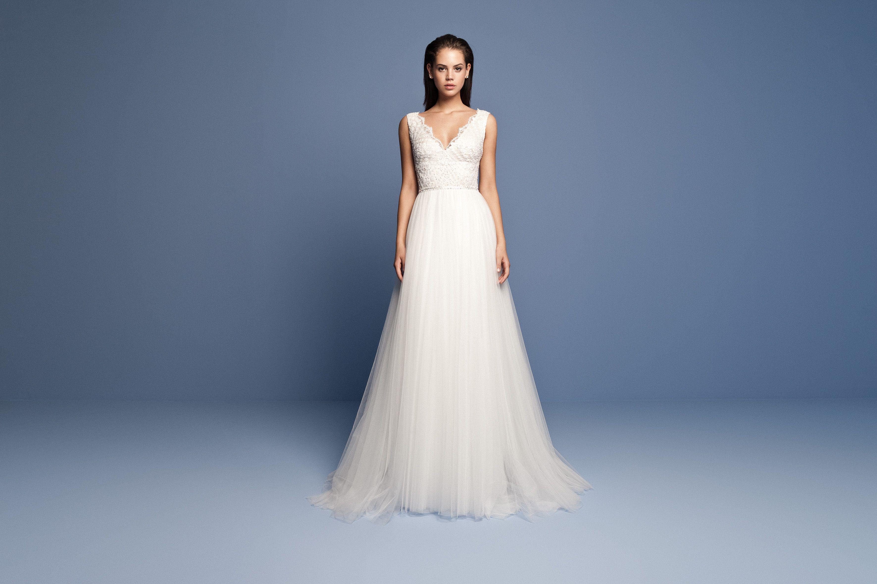 Pin by Eszter Kiss on esküvői ruha   Pinterest   Wedding dress ...