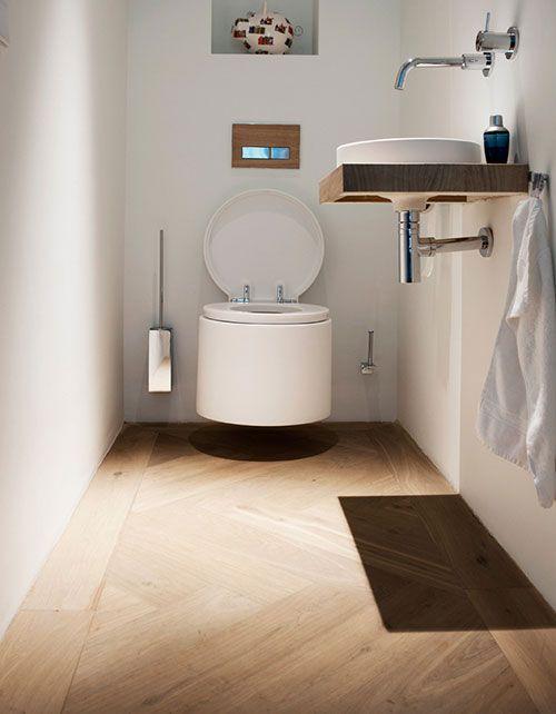 Visgraat houten vloer in toilet interieur inrichting badkamer toilet pinterest toilets - Behang voor toiletten ...