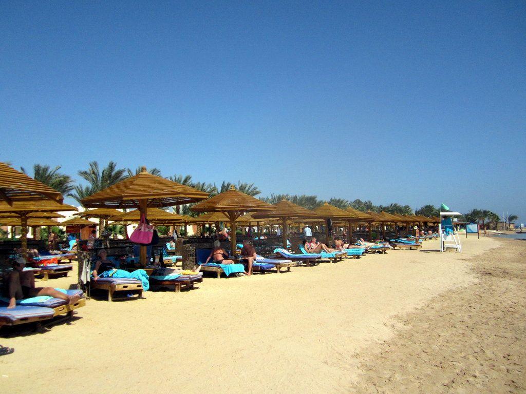 Sunrise Select Royal Makadi Resort Hotel beach picture in Makadi Bay by Mirek