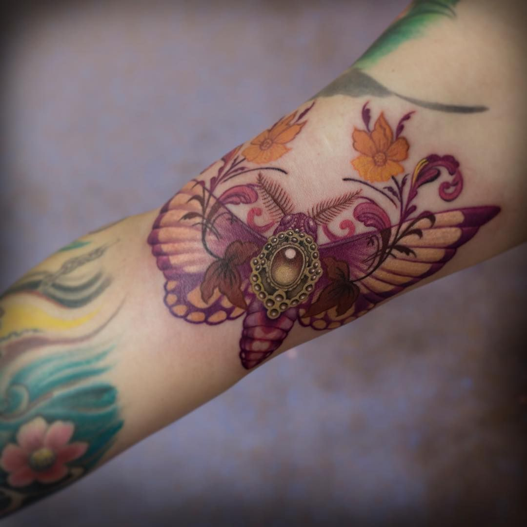 85 Wondrous Moth Tattoo Ideas Body Art That Fits Your Personality Check More At Http Tattoo Journal Com Best Moth Tatt Moth Tattoo Gem Tattoo Body Tattoos