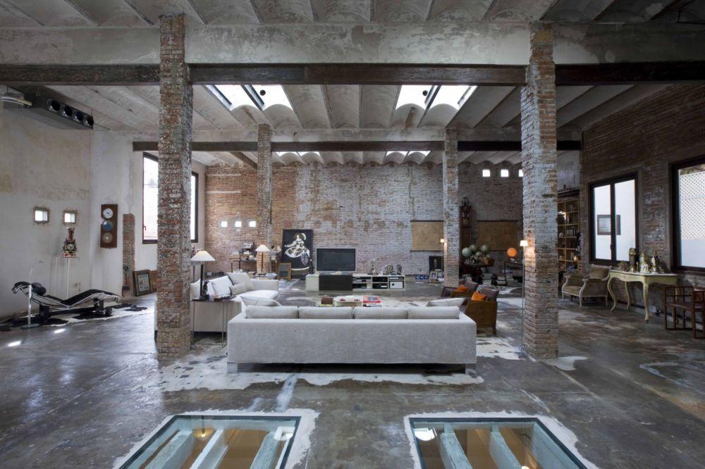 industrial house interior. Studio TrendHome  Printing Factory Loft Barcelona Lofts Warehouse