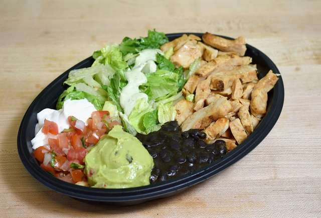 The 8 Healthiest Dishes at Taco Bell images