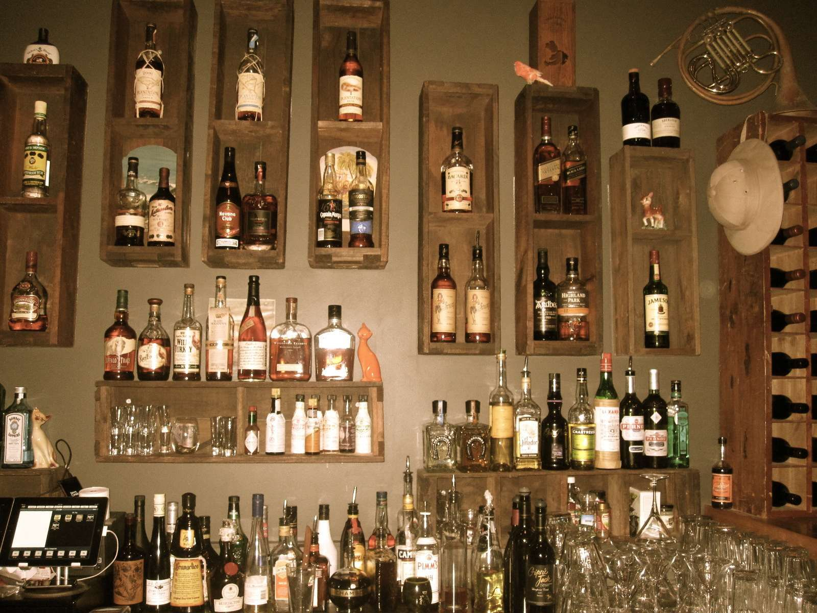 Behind The Bar Design | Behind The Bar Love The Perfect Wooden Detailing