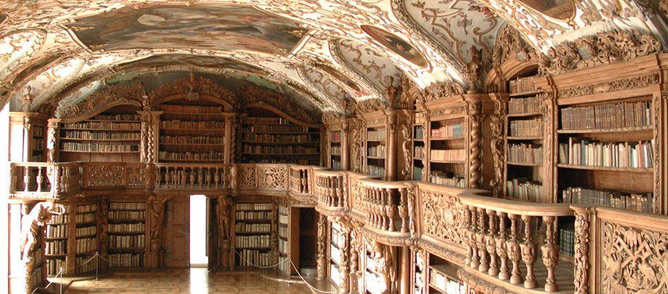 diese wunderschöne stiftsbibliothek befindet sich im kloster, Innedesign