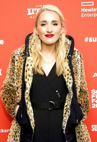 Harley Quinn Smith. (26-6-1999, Red Bank).