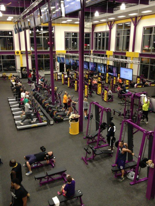 New Gym In Upper Darby Pa Looks Great Ecore Commercial Flooring Planet Fitness Gym Spor Fitness
