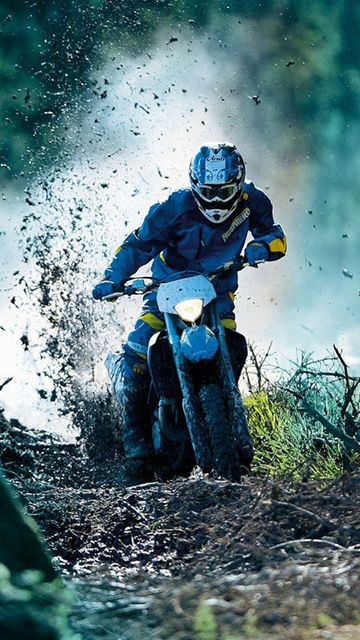 Bike Racing With Images Racing Bikes Motocross Bikes Enduro