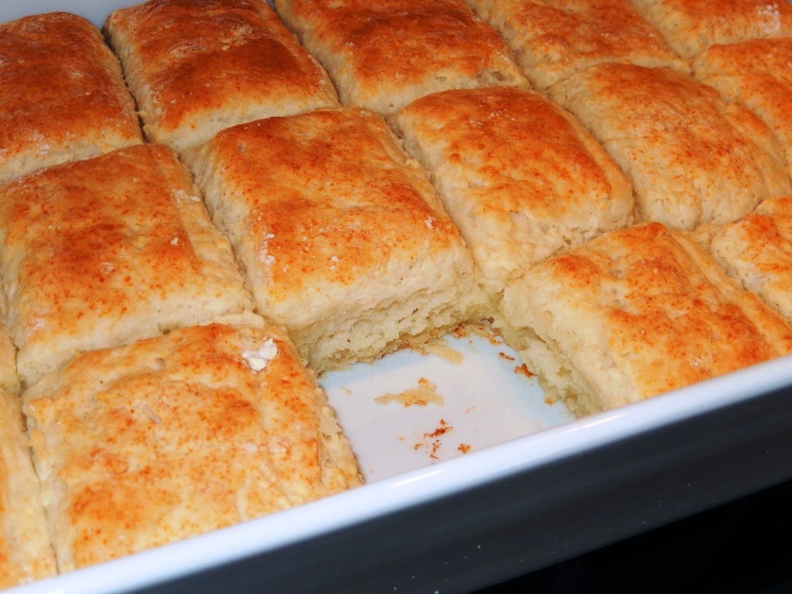 Bisquick Sour Cream 7 Up And Butter These Are Excellent So Easy And Soooo Good Recipe Is Hard To Find So I Wanted T Recipes Biscuit Recipe Biscuits