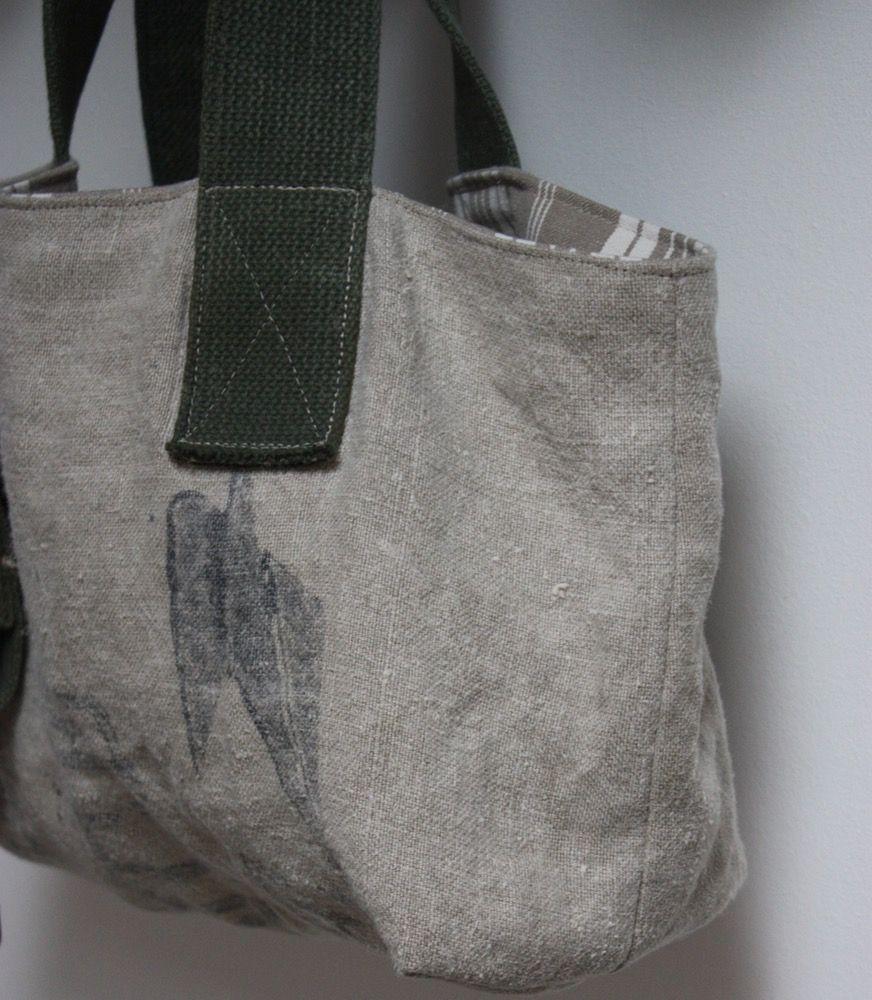 Image of Petit sac forme cabas.