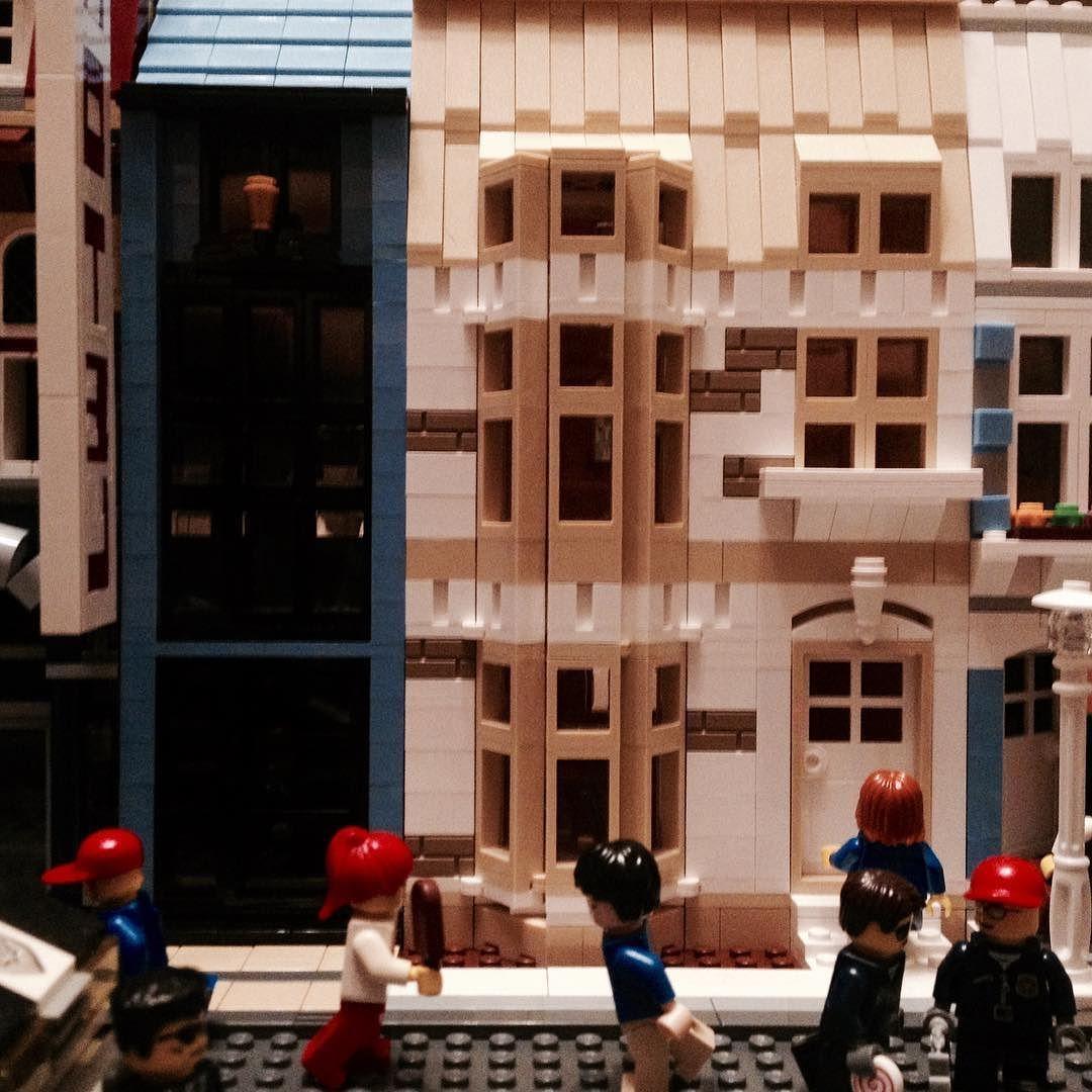 Murstenville life #afol #moc #brickbuilt #lego #legocity #legoarchitecture #legostagram #legophotography #minifigure #design #architecture #minicity by emkate26