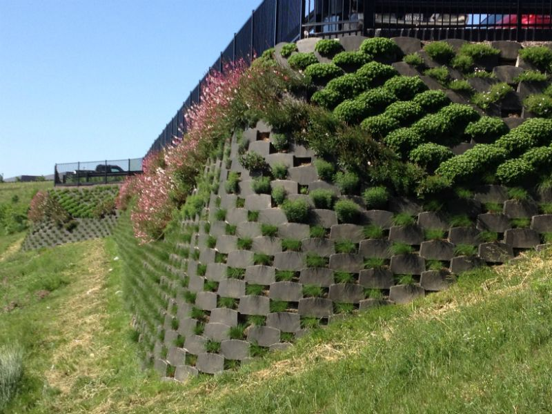 smart slope living retaining wall