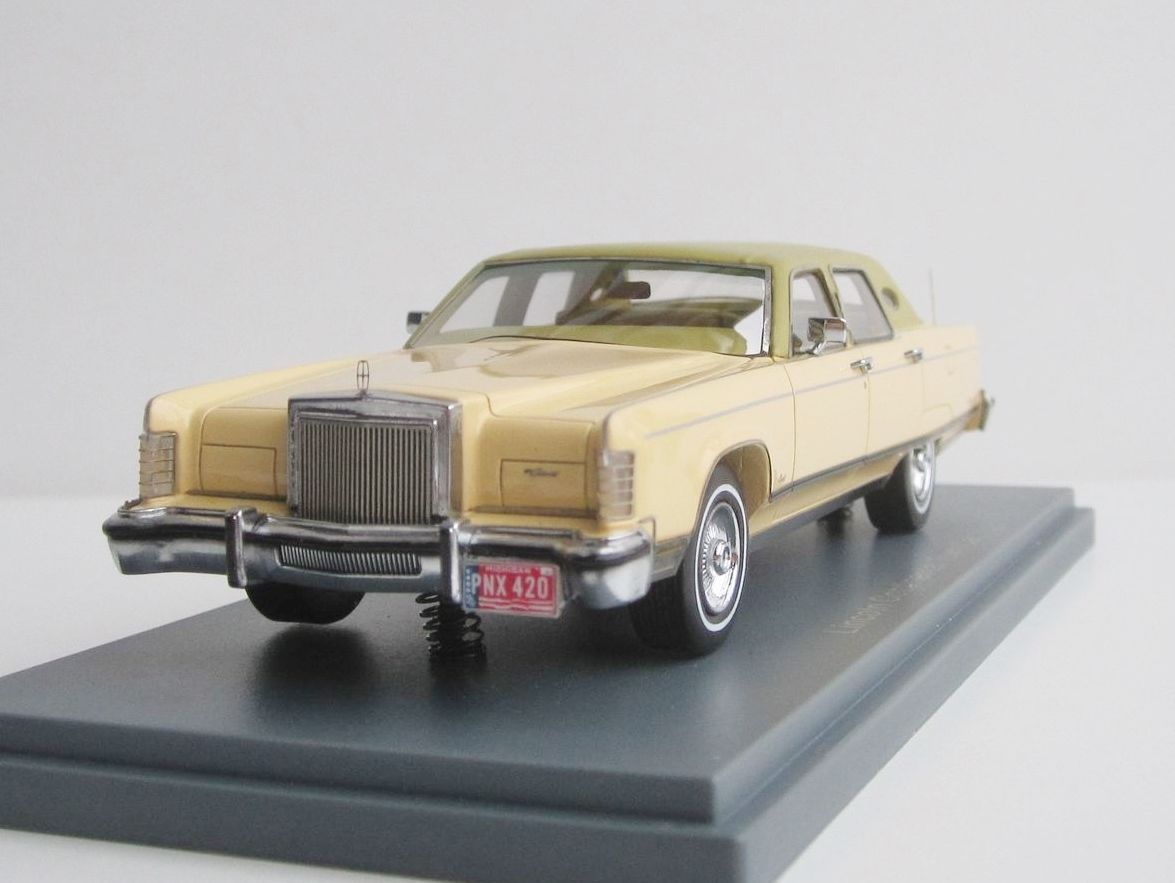 lincoln continental town car 1977 1 43 neo scale models 44420 limousine sedan scale models. Black Bedroom Furniture Sets. Home Design Ideas