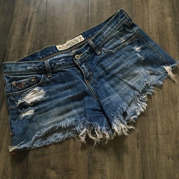 Hollister cutoff shorts sz 3 Great condition. NO TRADES Hollister Shorts Jean Shorts