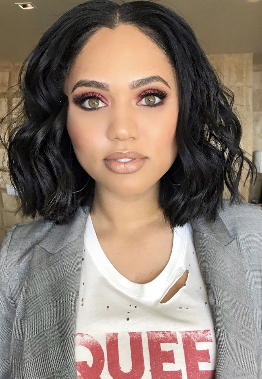 Ayesha Curry Makeup 2018 Messy Waves Hair Ayesha Curry Beauty And The Beat