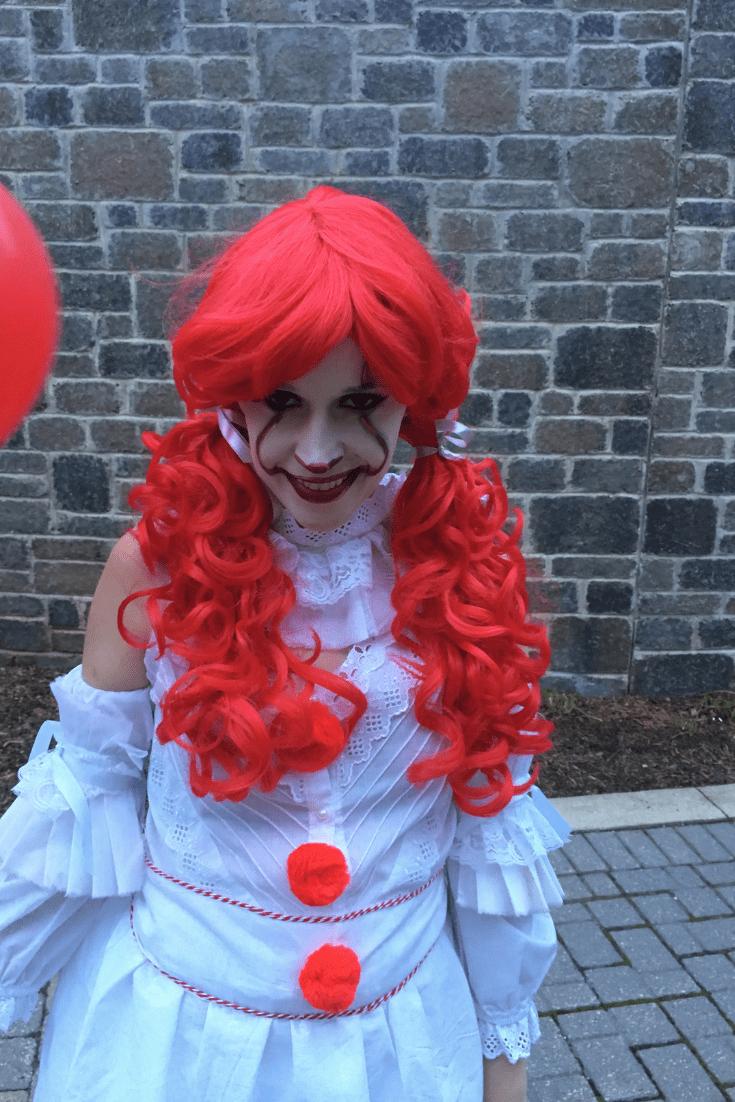 DIY Female Pennywise (IT) Costume Diy halloween costumes