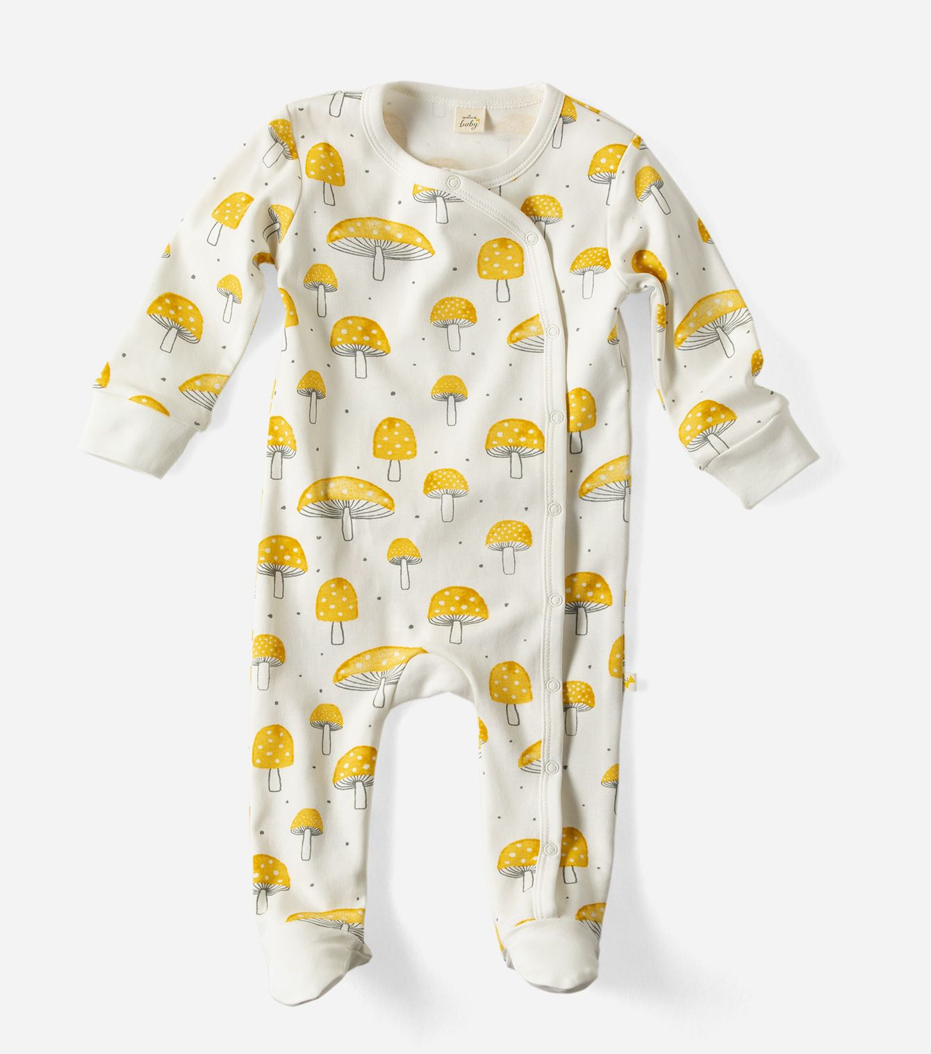 Snuggle baby sweetly to sleep in this adorable footed sleeper
