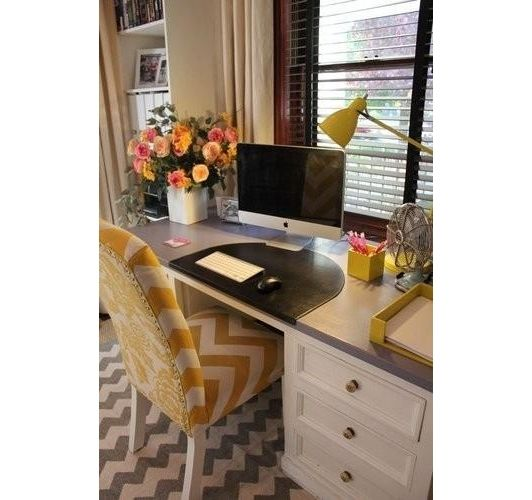 Home office decorated in yellow