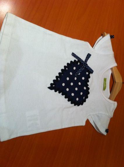 Camiseta corazon lunares pacharron de colores for Aplicaciones decoradas