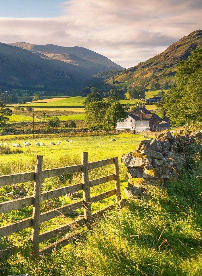 St John S In The Vale Is A Glacial Valley In The Lake District National Park Cumbria England Krajina Obrazky Matka Priroda