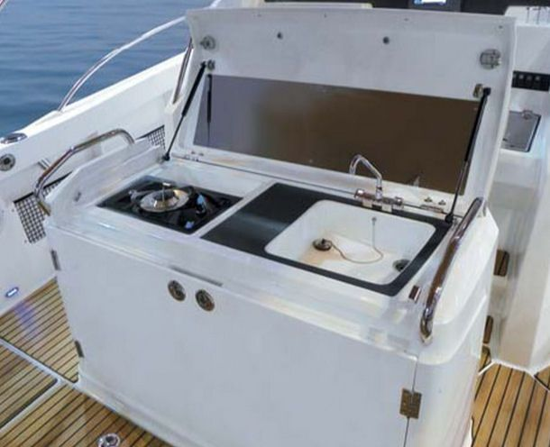 Leaning Post Station Google Search Yacht Builders Electric