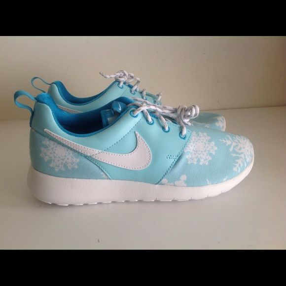 Nike Roshe One Print blue lagoon Brand new Nike Roshe One Print Blue Lagoon white with box size5y,5.5y,6y equivalent to women 6.5,7 and 7.5 Nike Shoes Athletic Shoes