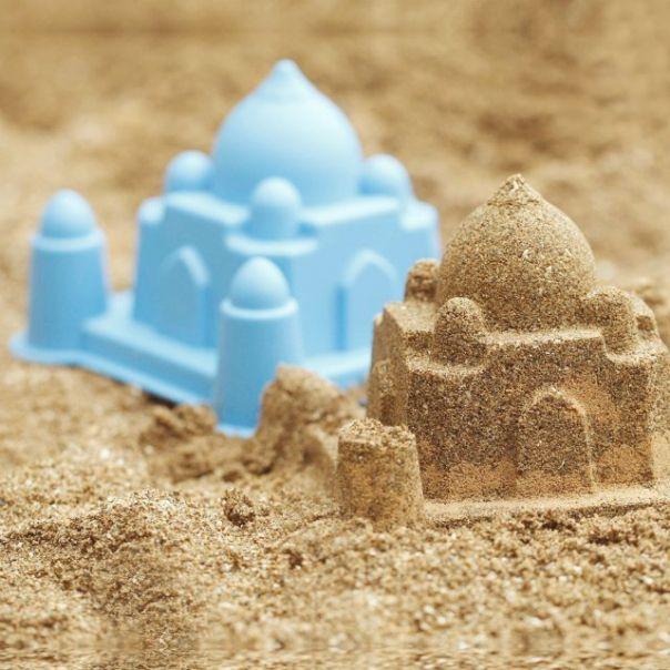 seau chateau de sable taj mahal une id e cadeau d nich e par georges sur. Black Bedroom Furniture Sets. Home Design Ideas