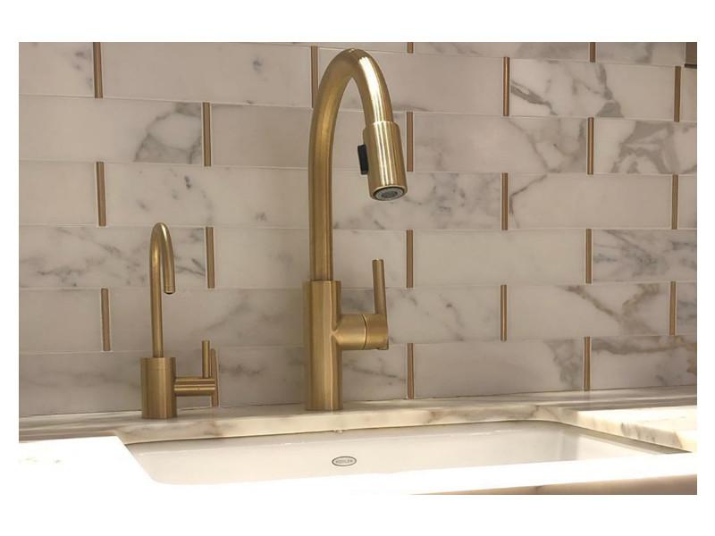 Flatiron Kitchen Calacatta Gold Marble Backsplash Detail Calacatta Gold Marble Rose Gold Kitchen Marble Tile Kitchen