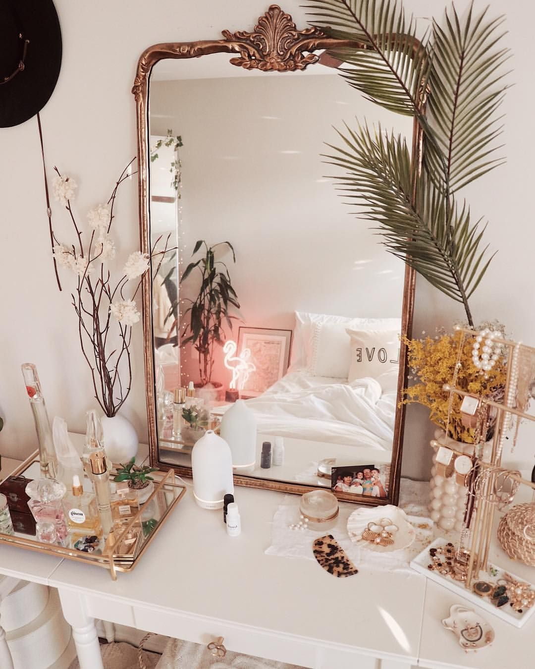 "Celeste Escarcega on Instagram: ""Morning Essentials ️ @vitruvi . . . . . . . . . #vitruvi #essentialoils #apartmenttherapy #homedecorating #vanitymirror #anthropologie…"""